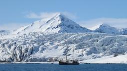 Svalbardas_Kalnos_2012_1
